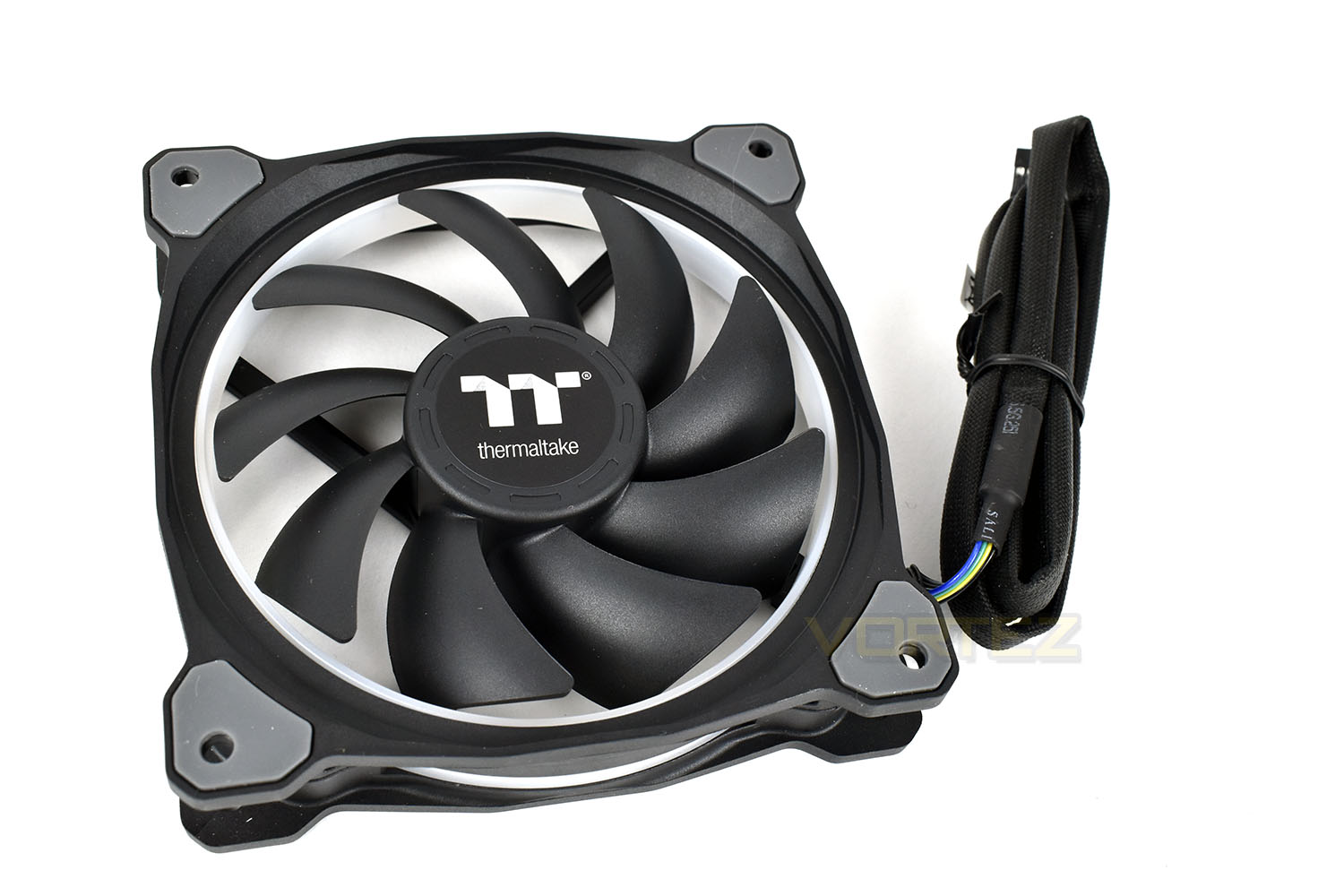 Thermaltake Riing Plus 12 Tt Premium Edition Rgb Fan Triple Pack Led 3 Fans The Cable Is Braided From End To And Measures Roughly 900mm In Length Thats Handy For Larger Cases But Anyone With A Smaller Chassis Might Struggle