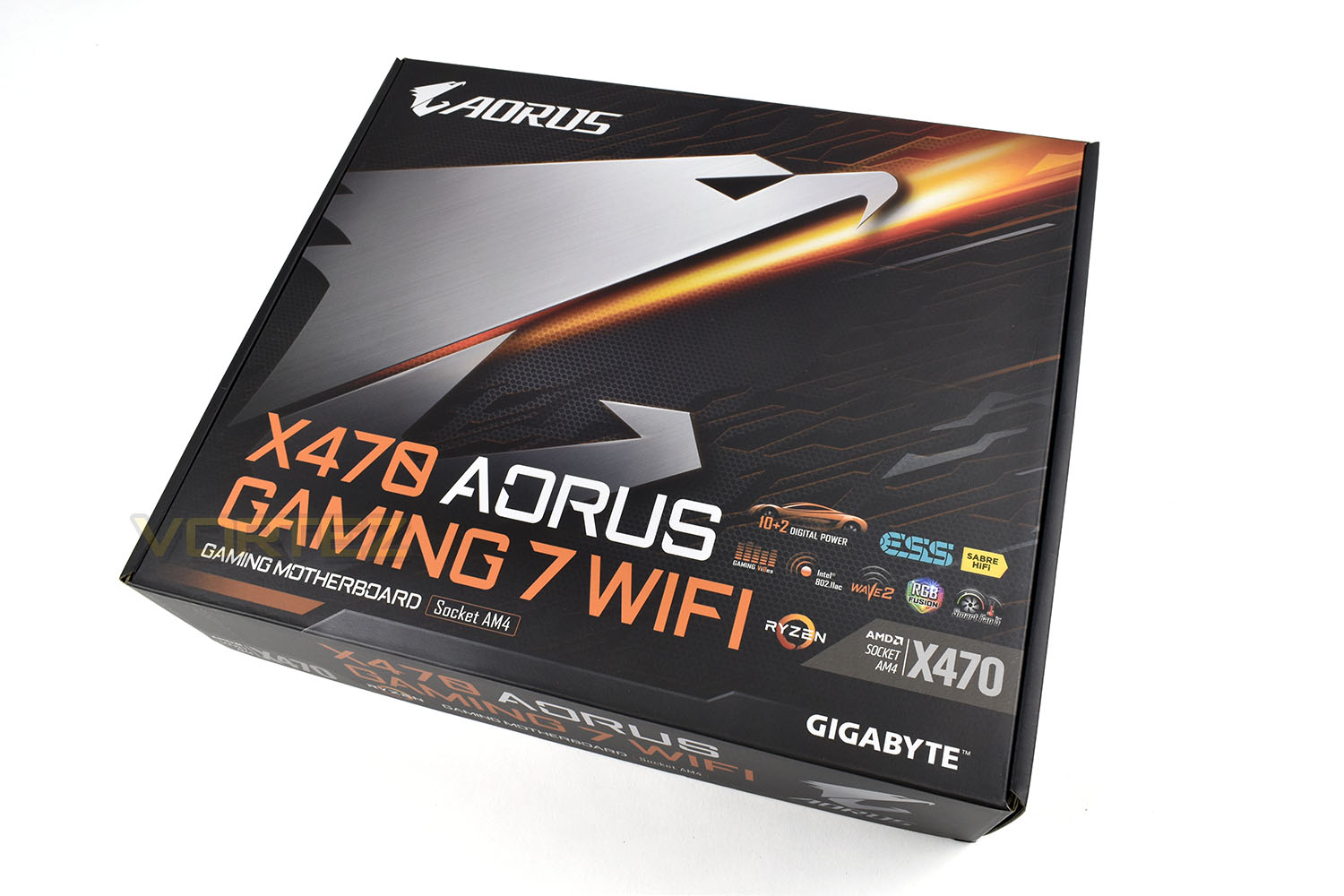 GIGABYTE AORUS X470 GAMING 7 WIFI Review - Packaging & First