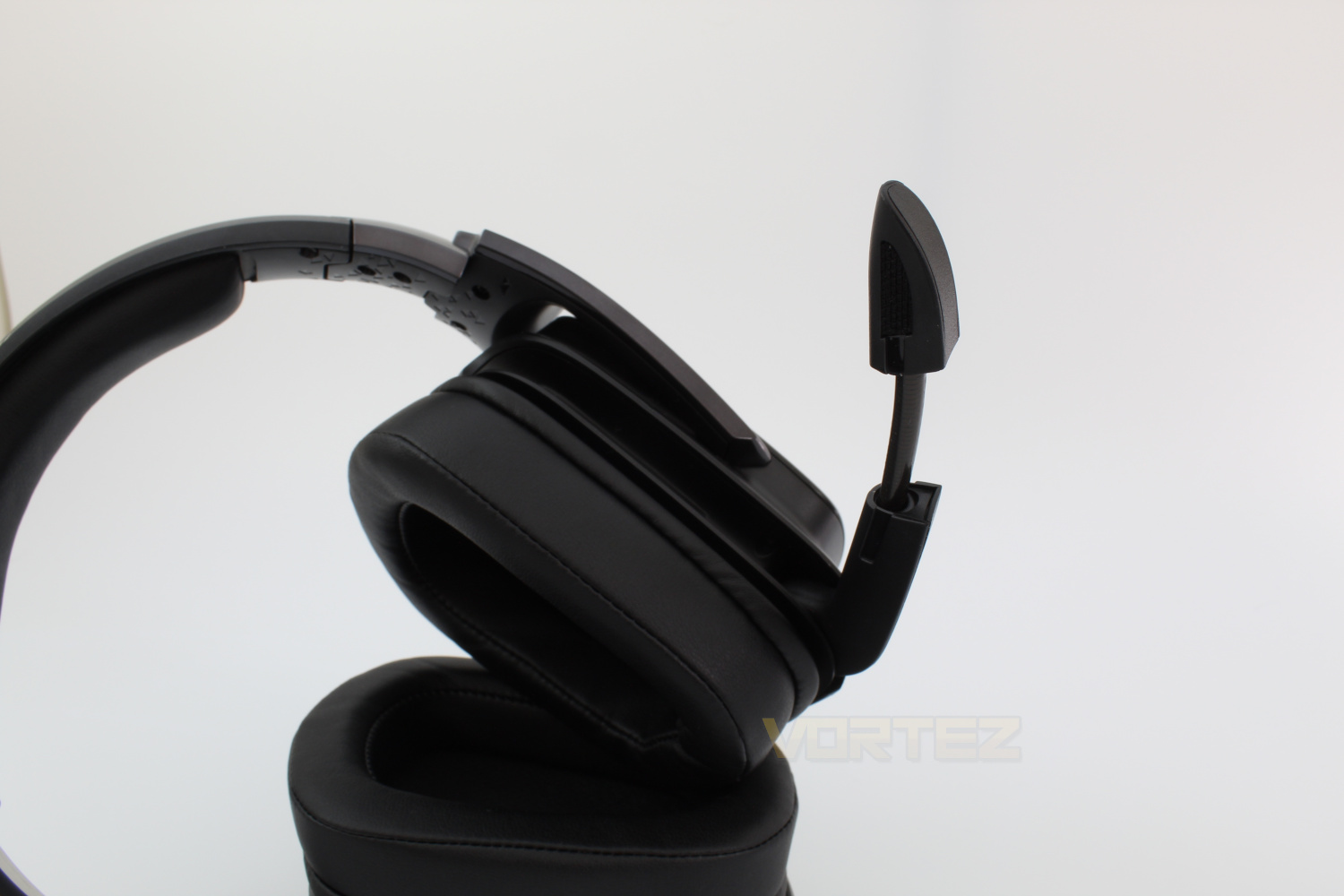 Logitech G935 Wireless 7 1 Surround Gaming Headset Review - Introduction