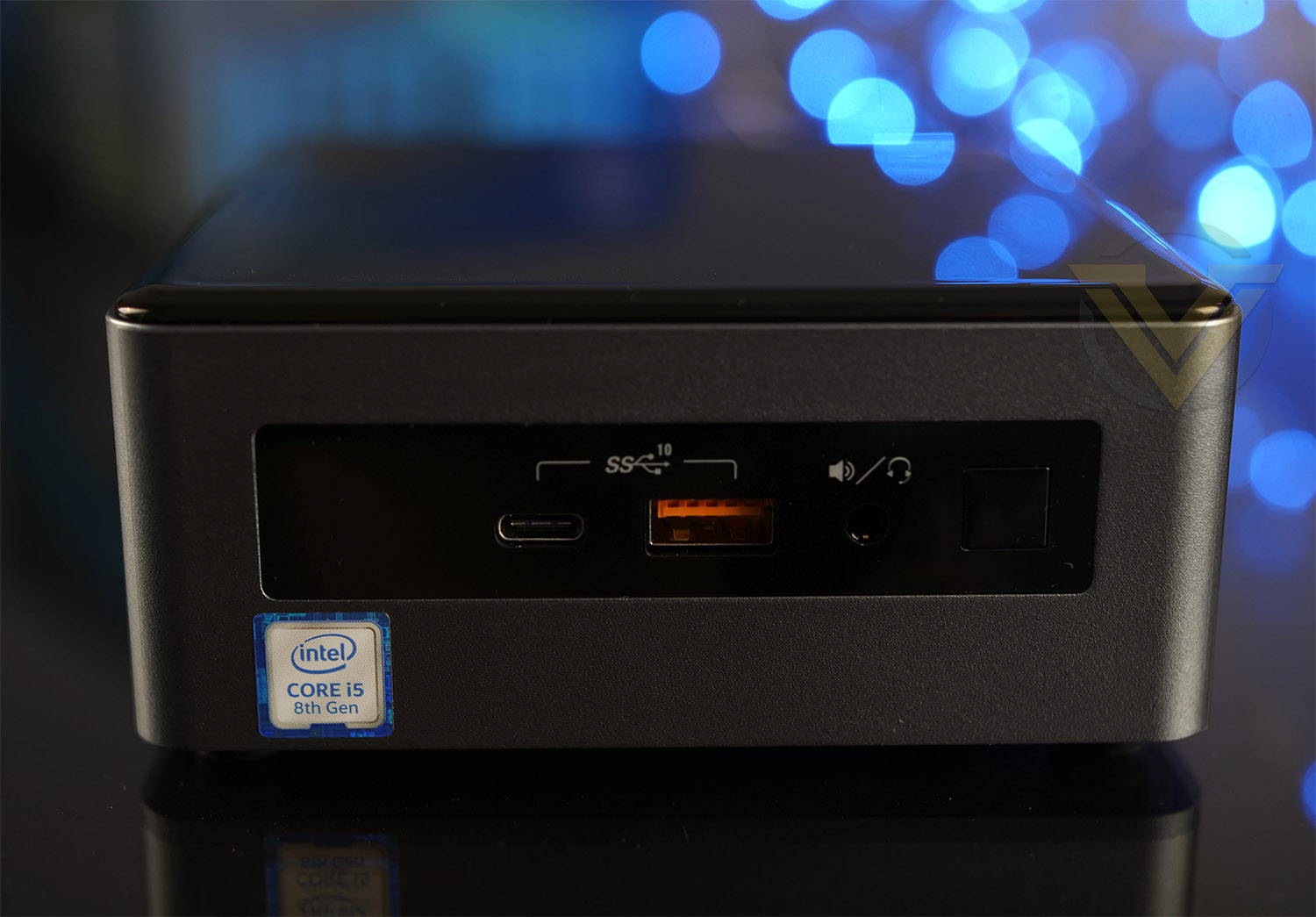 Intel NUC 8 Mainstream-G Mini PC NUC8i5INH Review - Bundle