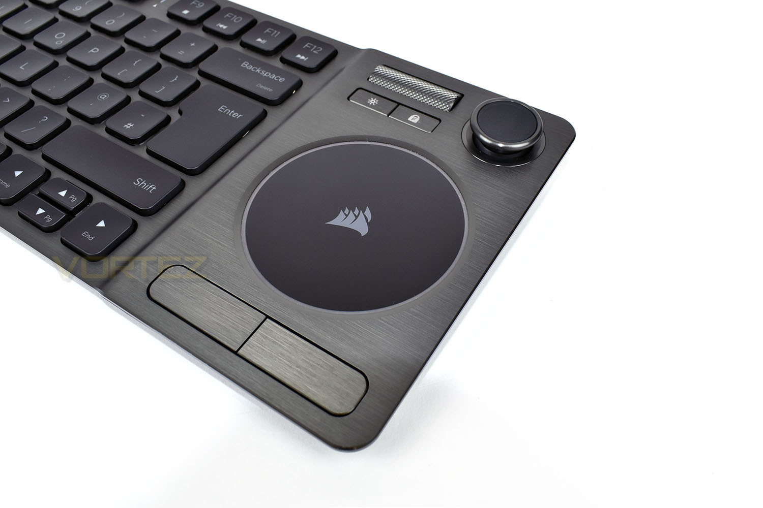 corsair_k83_wireless_trackpad.jpg