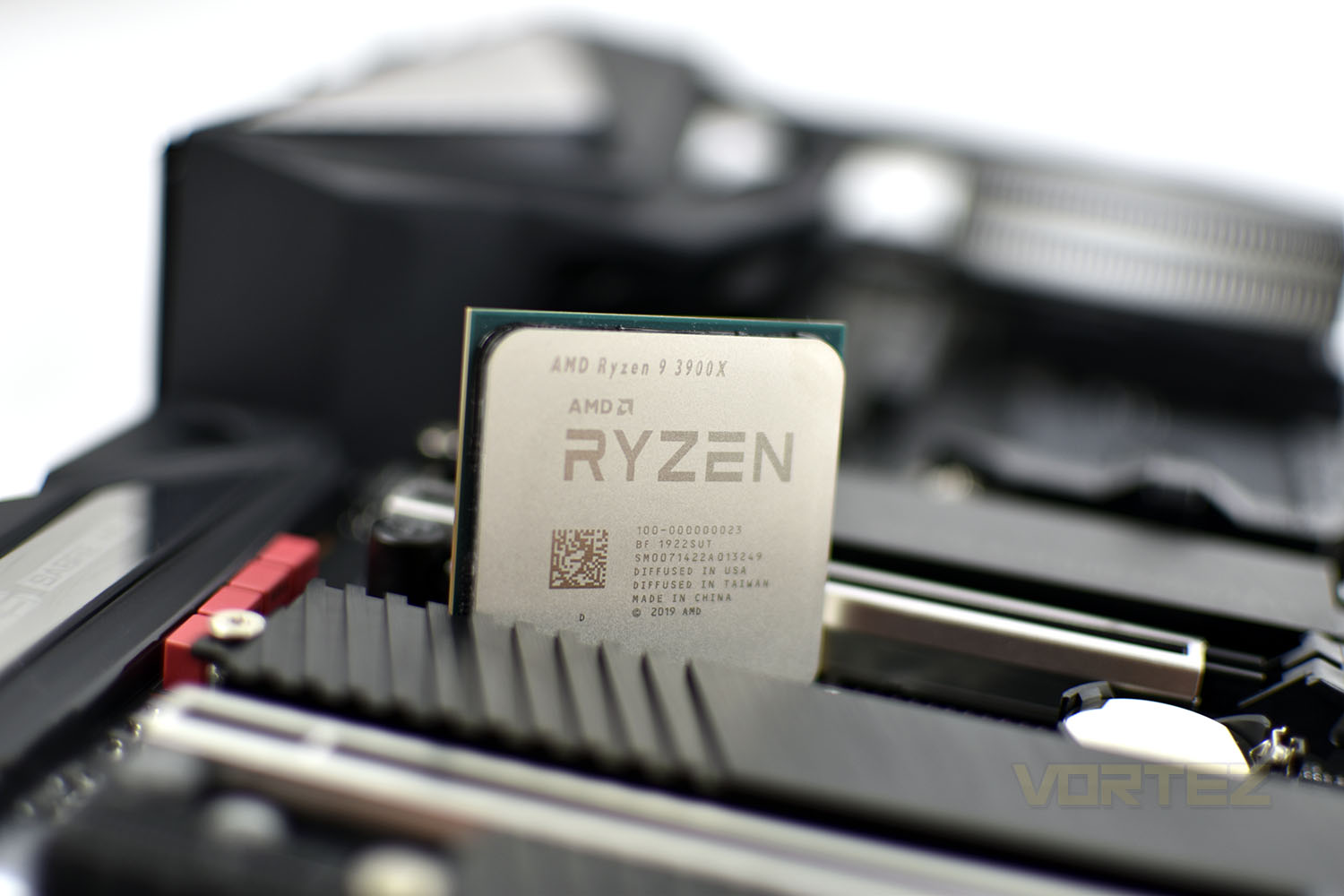 amd_ryzen_9_3900x_intro.jpg