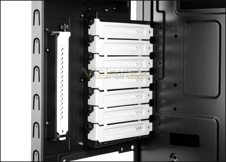 K: biele PCI záslepky