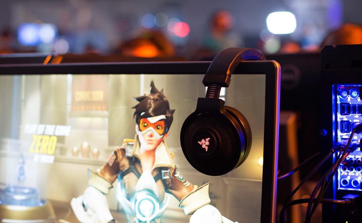 72343000662 Razer Tease Overwatch Themed Peripherals
